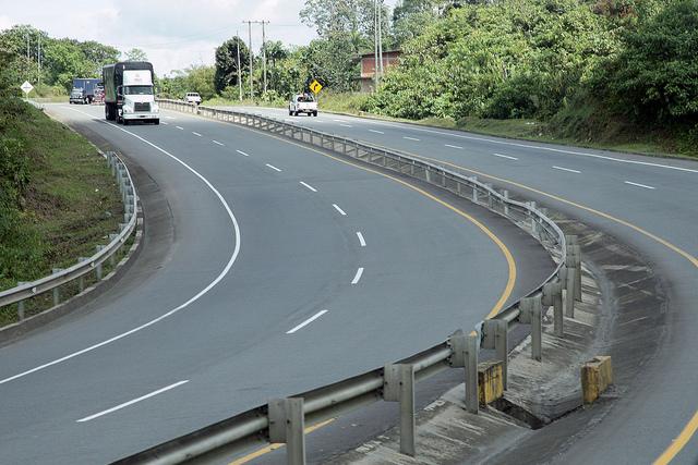 """Restricción de vehículos de carga para el puente festivo """"asunción de la virgen"""" del viernes 12 al lunes 15 de agosto 2016, en la Red Vial Nacional"""