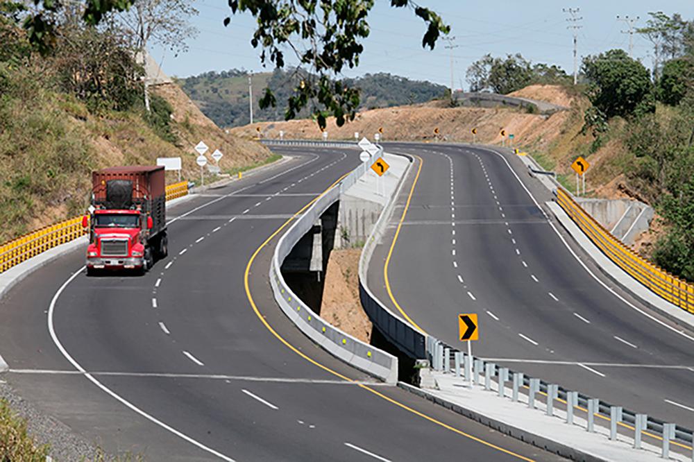"""Restricción para vehículos de carga para la semana de receso escolar y puente festivo """"día de la raza"""""""