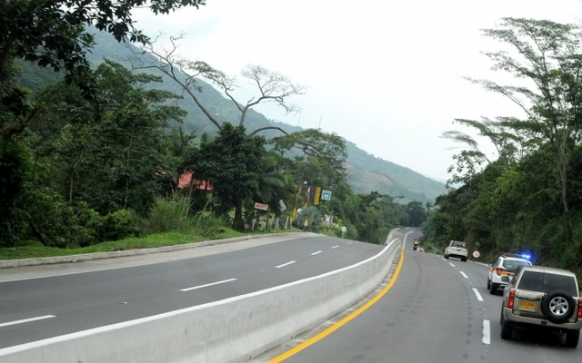 La vía Villeta es una de las más complicada por la reducción de la vía y las montañas.