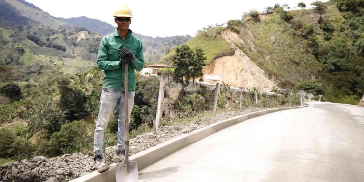 INVÍAS y Gobernación de Tolima entregan primer tramo de la vía Herrera - El Diamante, en Ríoblanco, Tolima