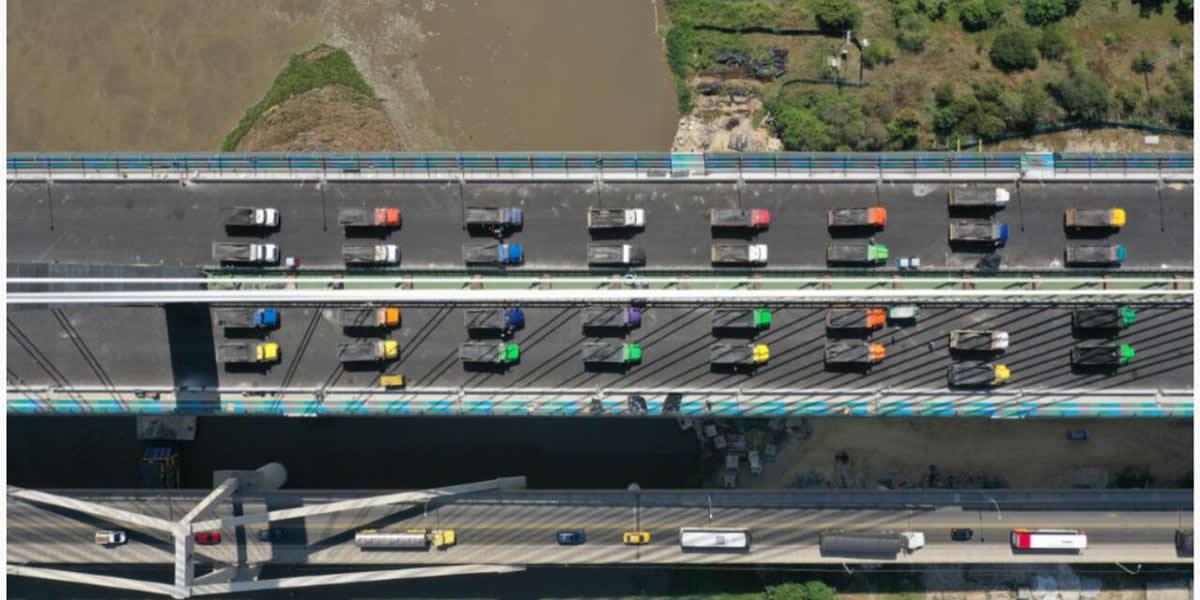 2Avanzan pruebas de carga en el Nuevo Puente Pumarejo
